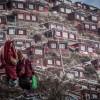 A Larung Gar c'è il Monastero di Serthar, la più grande scuola buddista del Tibet