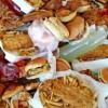 Perché mangiare cibi trasformati induce a mangiare di più e a ingrassare