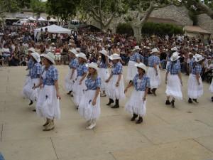 Line-dance.
