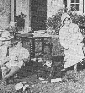Baden-Powell_family_(1917)