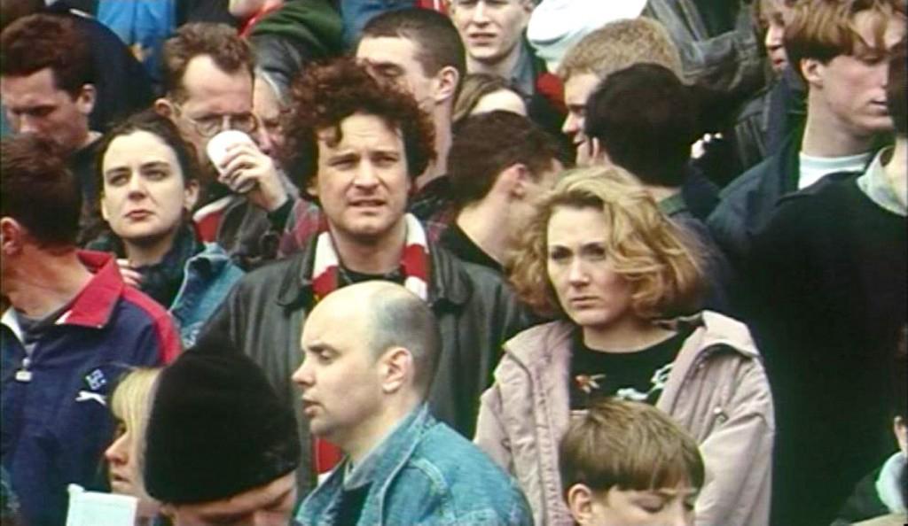 Sarah e Paul sugli spalti dello stadio dell'Arsenal.