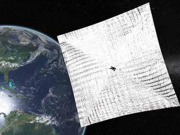 Esempio di pannello solare in orbita.