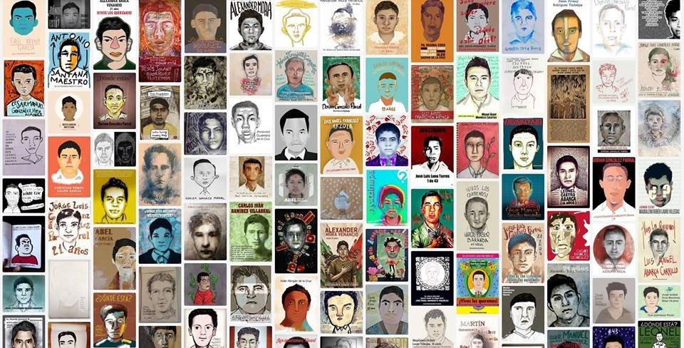 I volti dei 43 giovani aspiranti maestri scomparsi, reinterpretati da artisti messicani dello stato di Guerrero.